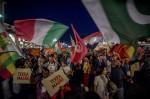 """Tausende gingen vor dem """"Salone del Gusto"""" in Turin auf die Straße (Foto: Slow Food)"""