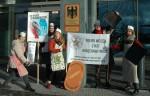 Protest am Forschungsministerium gegen Hybridweizen & Gentechniksaatgut (Foto: Aktion Agrar)
