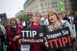 TTIP wird von der Öffentlichkeit als undemokratische Bedrohung empfunden. Foto: Christian Mang / Campact